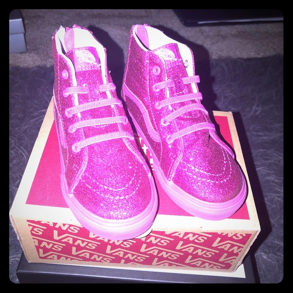 Toddler Girl Pink Glitter Vans. M 5a8f3db98290aff0bbea91a0 9197ced92